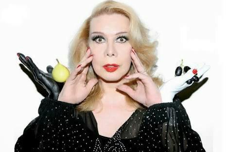 O corpo da atriz Rogéria vai ser enterrado nesta quarta-feira em Cantagalo