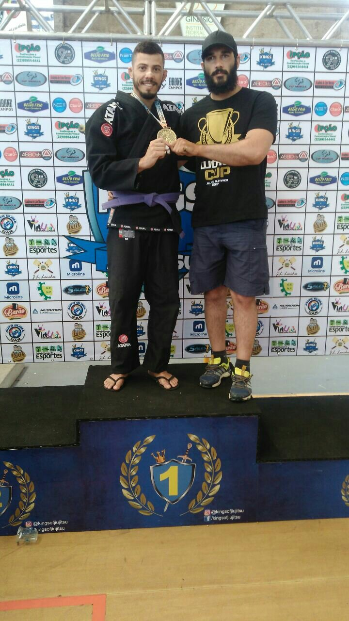 Júnior Mello conquista primeiro lugar na categoria pesado no evento  kings of jiu-jitsu