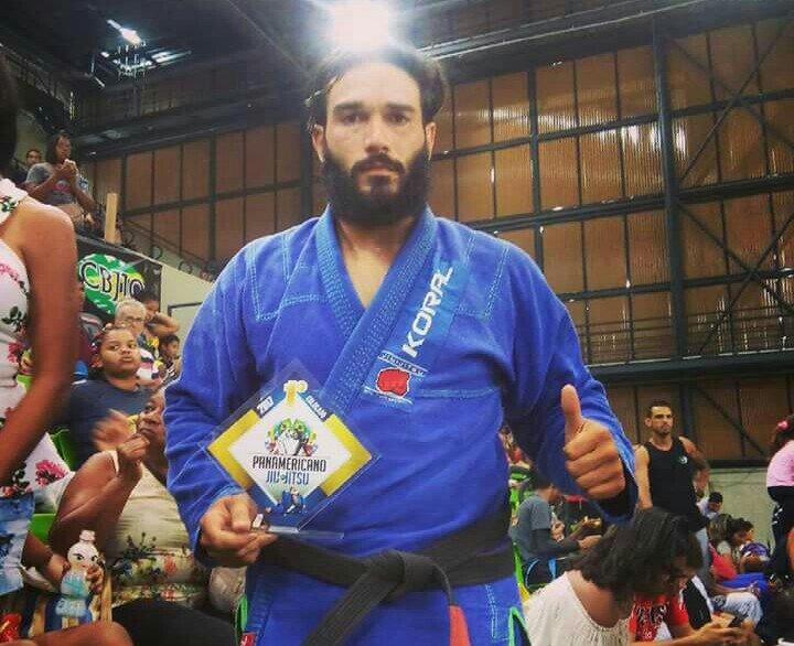Victão Gomes se torna Campeão Panamericano de Jiu-Jitsu na categoria super pesado, faixa preta